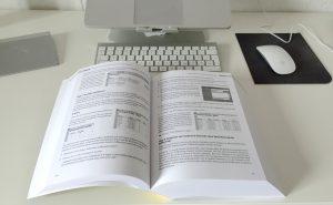 Excelbuch Formeln und Funktionen (aufgeschlagen)